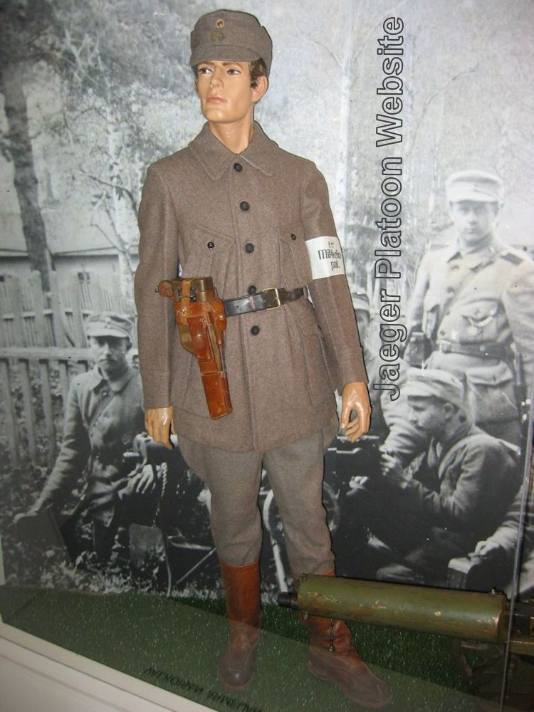 03ad075b01d PICTURE  Typical military uniform