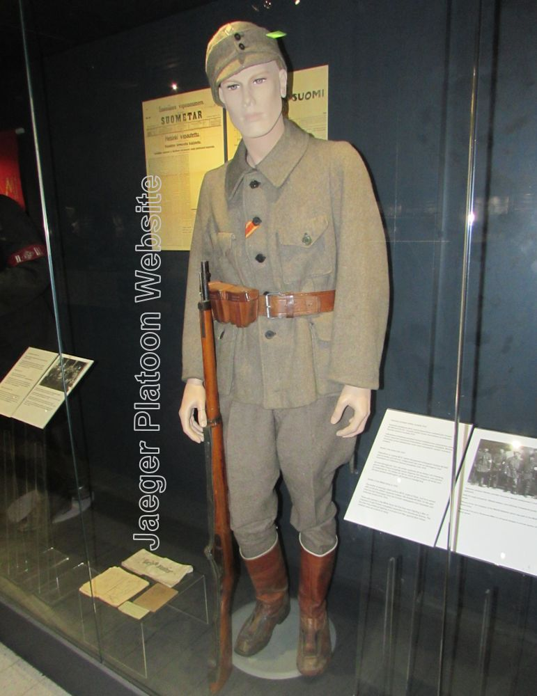31d3890eeab PICTURE  Another typical military uniform